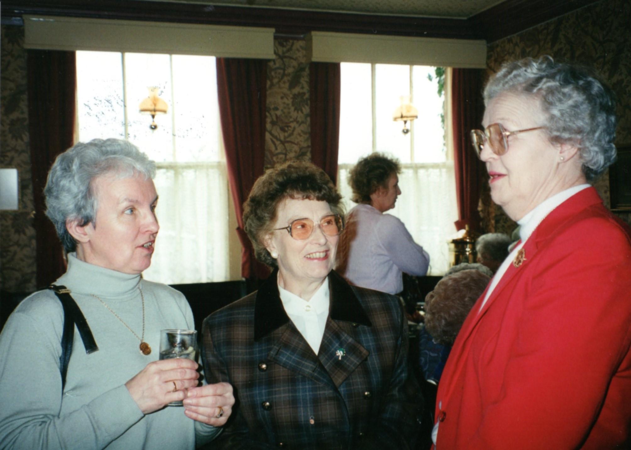 At the Hop Pole.  Ruth Wright, Elma Smith, Rotha Grace